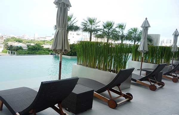 Amanta-Lumphini-Bangkok-condo-for-sale-swimming-pool-4