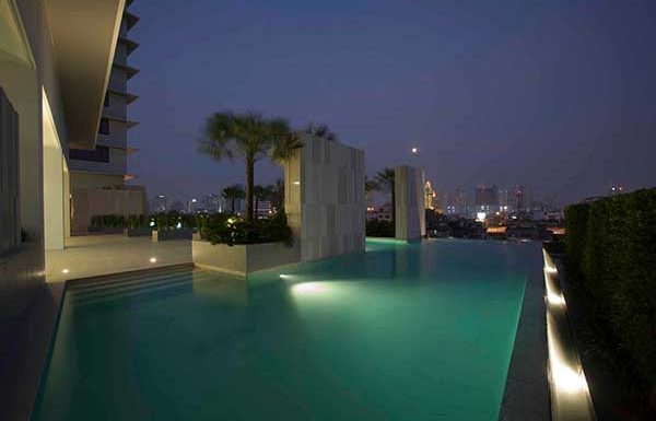 Amanta-Lumphini-Bangkok-condo-for-sale-swimming-pool